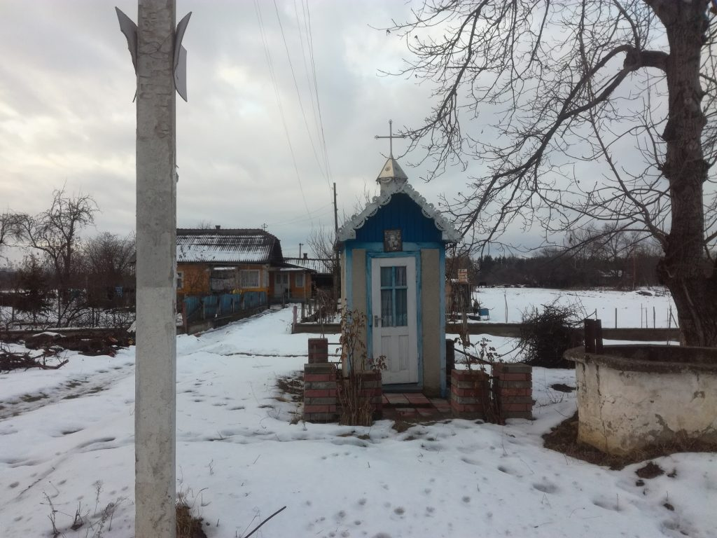 Small chapels can be found for each 300-400 m, build comfortable near the road so everybody can visit them