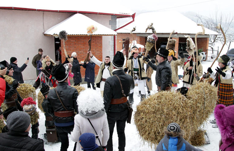 Traditional celebration mascarad of Malanka in Bukovina (the picture is taken from the city site storozhynets.info)